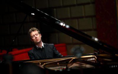 Sam Haywood – piano